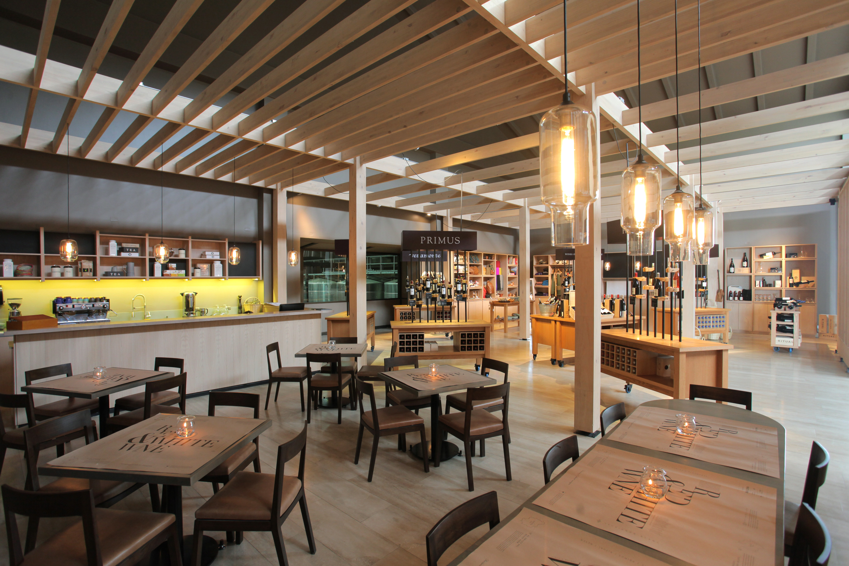 Casona Veramonte New Offerings Press Release # Muebles Para Food Court