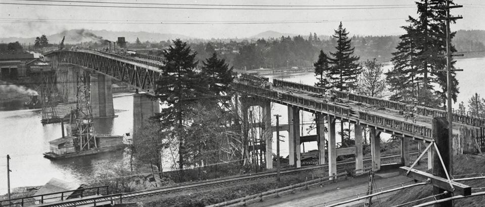 Original Sellwood Bridge Construction